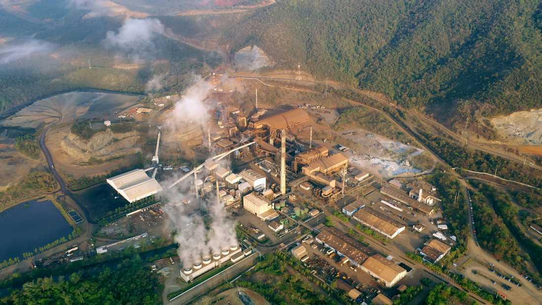 Fiskare befarar att nickelgruvan i El Estor i Guatemala förgiftar både sjön och luften.