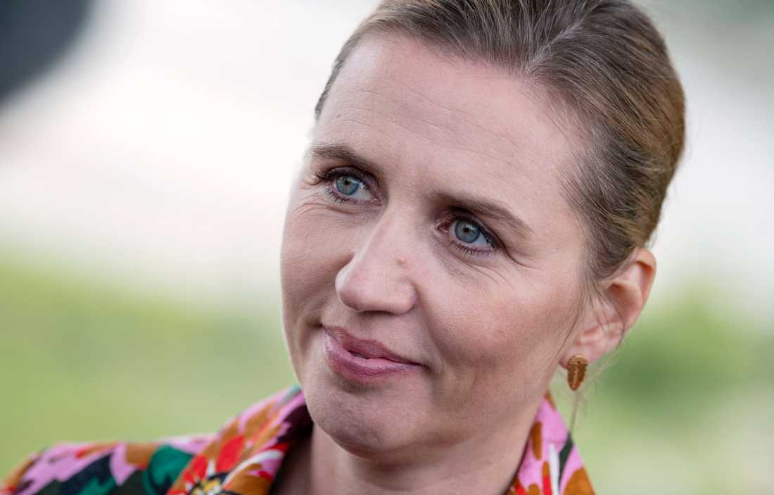 Den danska S-ledaren Mette Frederiksen utmanar Lars Løkke Rasmussen om statsministerposten.