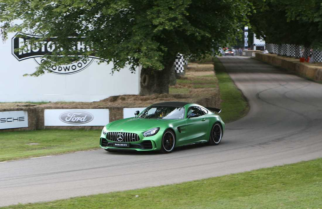 Mercedes premärvisade sin AMG GT R under Goodwood.