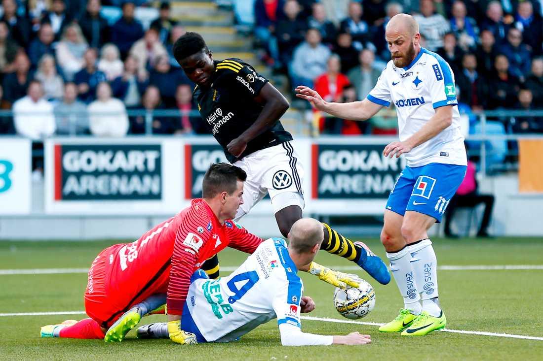 17-åringen Daniel Mushito fick chansen från start i AIK.