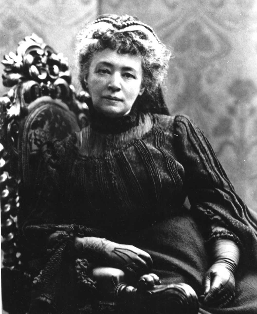Bertha von Suttner, Österrike-Ungern, blev den första kvinnan att få fredspriset. Hon fick utmärkelsen 1905 efter sitt engagemang i fredsrörelsen.