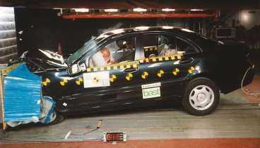 Mercedes C-klass fick fem stjärnor i krocktestet.