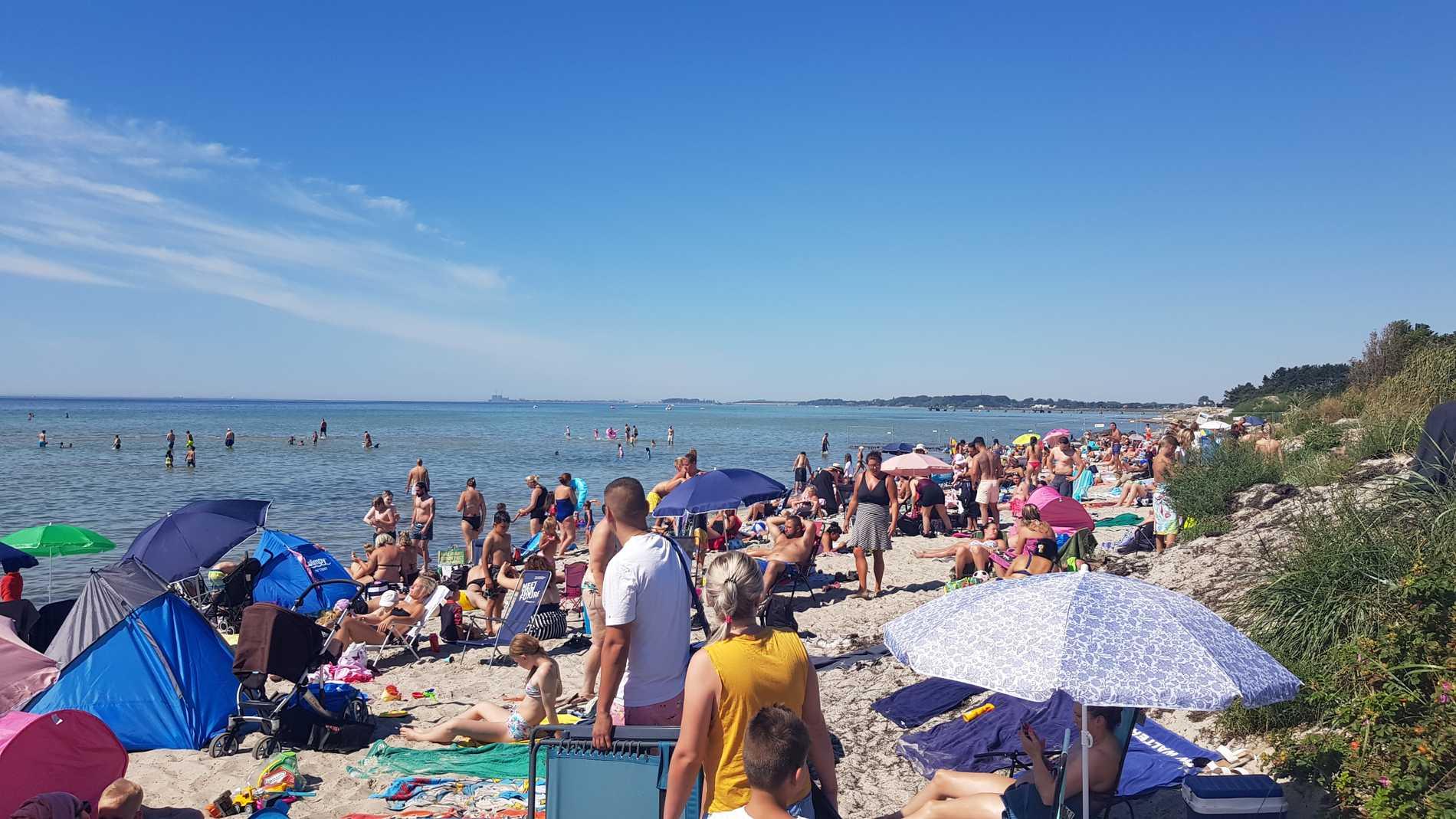 Här flockas semesterfirarna på den skånska sommarstranden