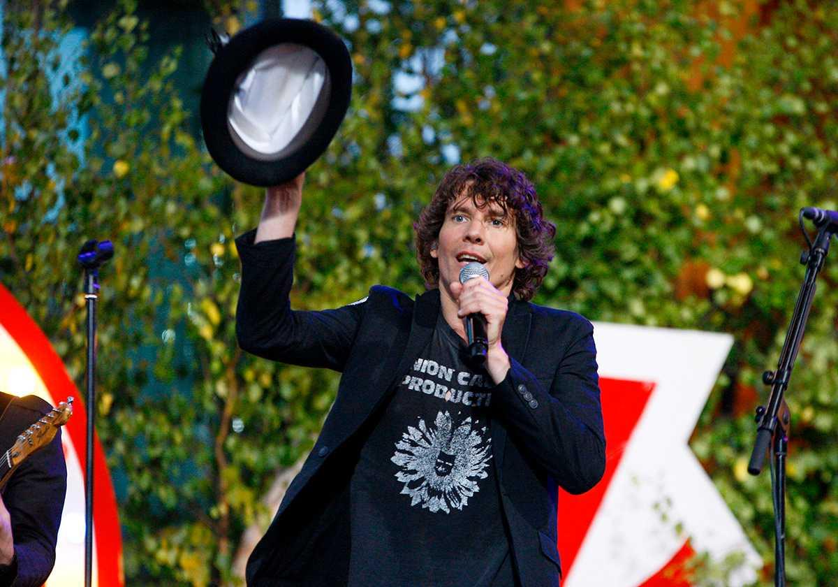 Håkan Hellström är en av de artister som fått en egen timme på allsångsscenen.