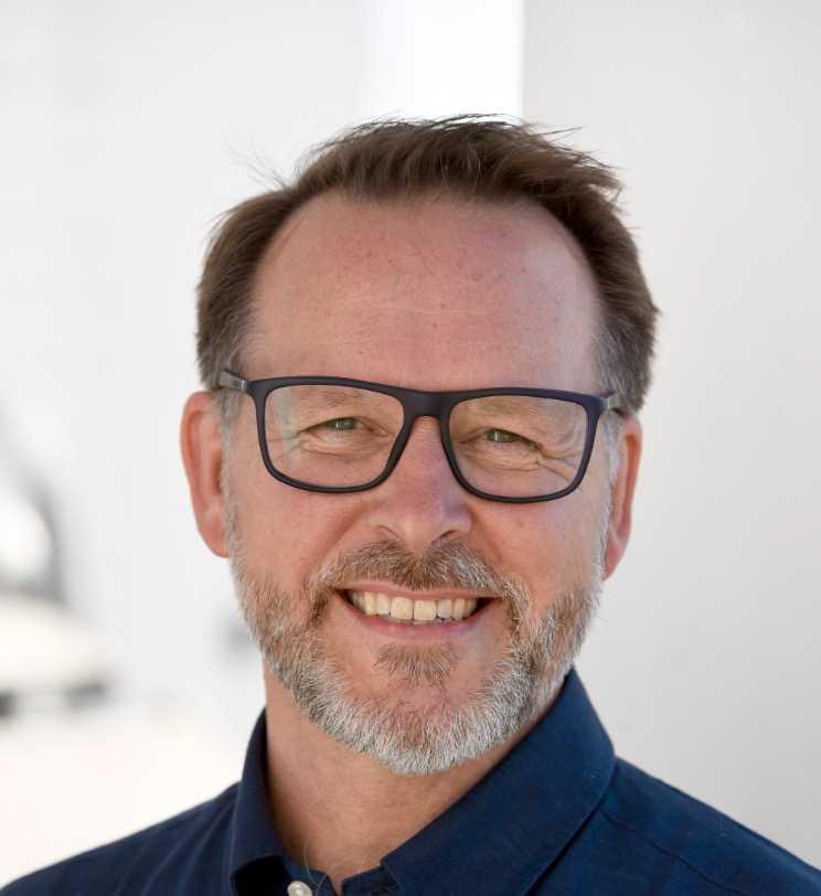 Lars Thunberg är kritisk till att Ebba Busch Thor diskuterade migration med Jimmie Åkesson