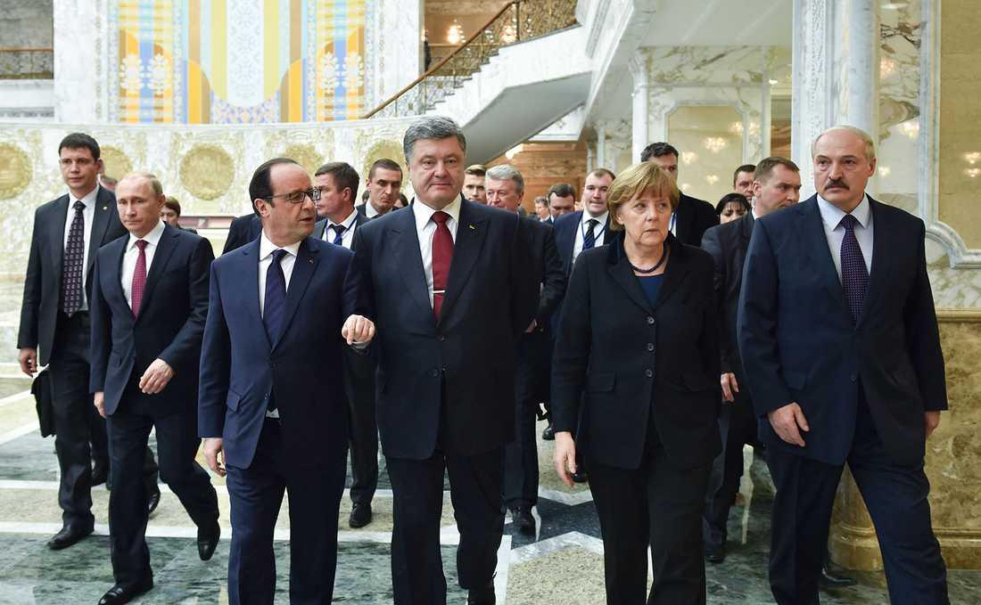 Putin, Hollande, Porosjenko, Merkel och Lukasjenko.