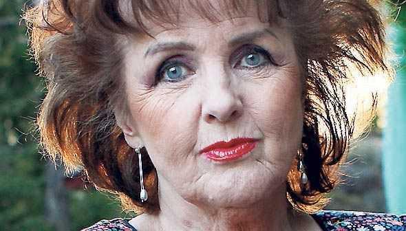 Elisabet Höglund känner att hon sparkats av TV 4.