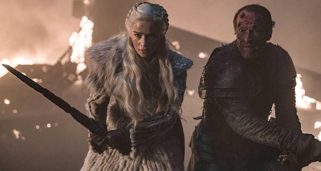 FRAMSTRESSAD VÄNDNING. Vi visste att Daenarys Targaryen skulle balla ur förr eller senare – men vändningen hetsades fram.
