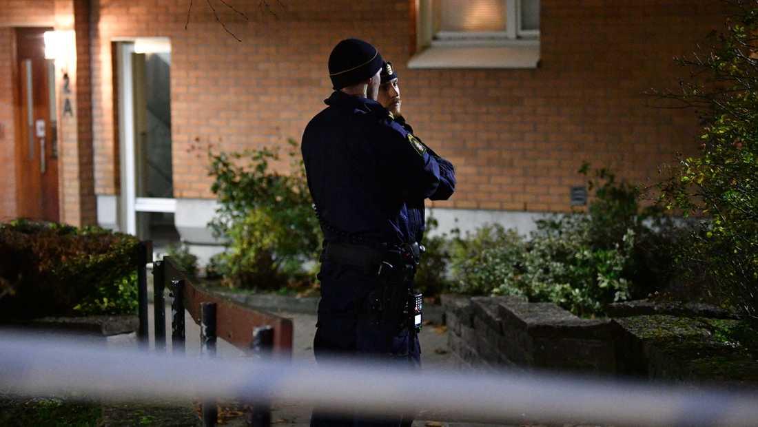 Larmet om detonationen i Fosie i Malmö kom strax efter klockan 21.30.