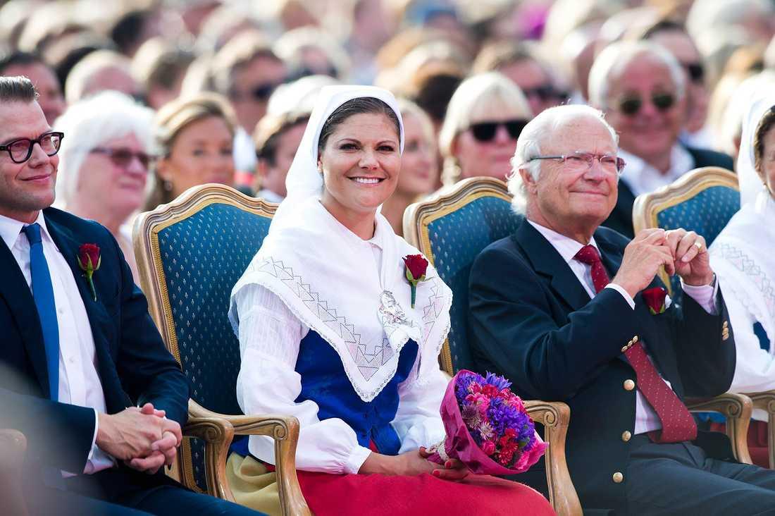 FÖDELSEDAGSFIRANDE Kronprinsessan på hennes 37 års dag och som traditionen bjuder firades hon på Öland.