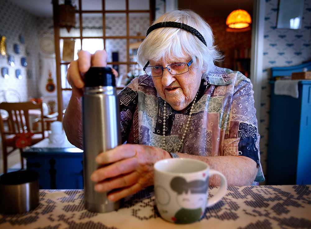 """""""Det står inte i pärmen så det får vi inte göra"""", sa hemtjänstens personal när Gudrun ville ha tevatten."""
