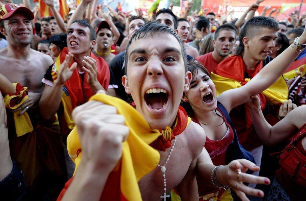 Äntligen! Vilt firande i Madrid.