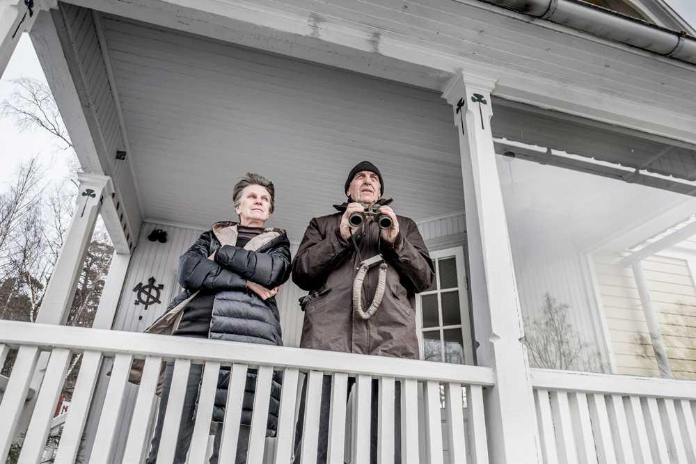 Olof Kviman och hans fru Gun Sandahl i huset utanför Vaxholm där de såg den misstänkta ubåten