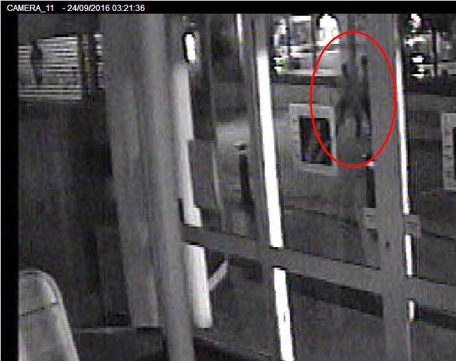 Övervakningsbilder visar personer som sökts i anslutning till fallet.