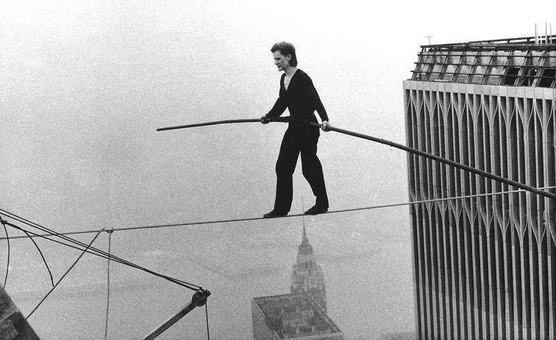 Philippe Petit vet i själ och hjärta att han ska klara balansakterna.