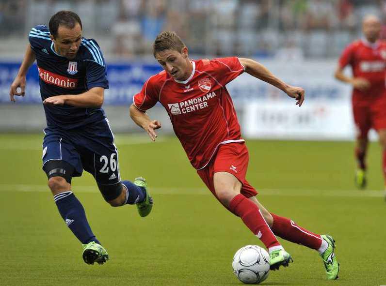 Stephan Andrist i Europa League mot Stoke.