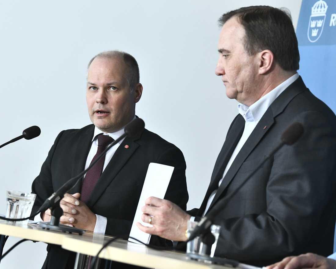 Justitieminister Morgan Johansson (S) och statsminister Stefan Löfven (S) håller en pressträff efter fredagens besök på polisutbildningen på Södertörns högskola.
