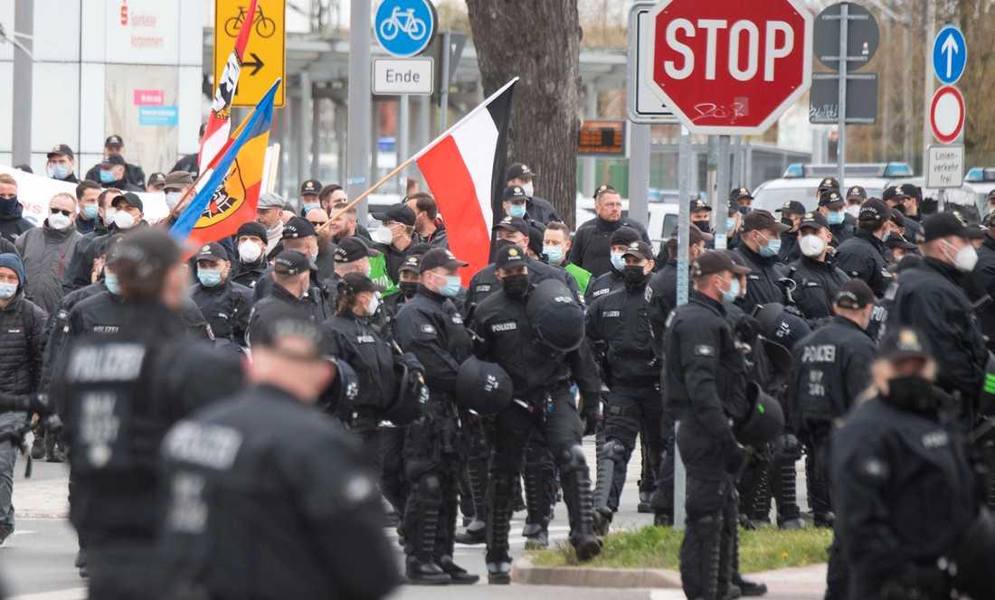 Nynazister demonstrerar i tyska Greifswald. Arkivbild.