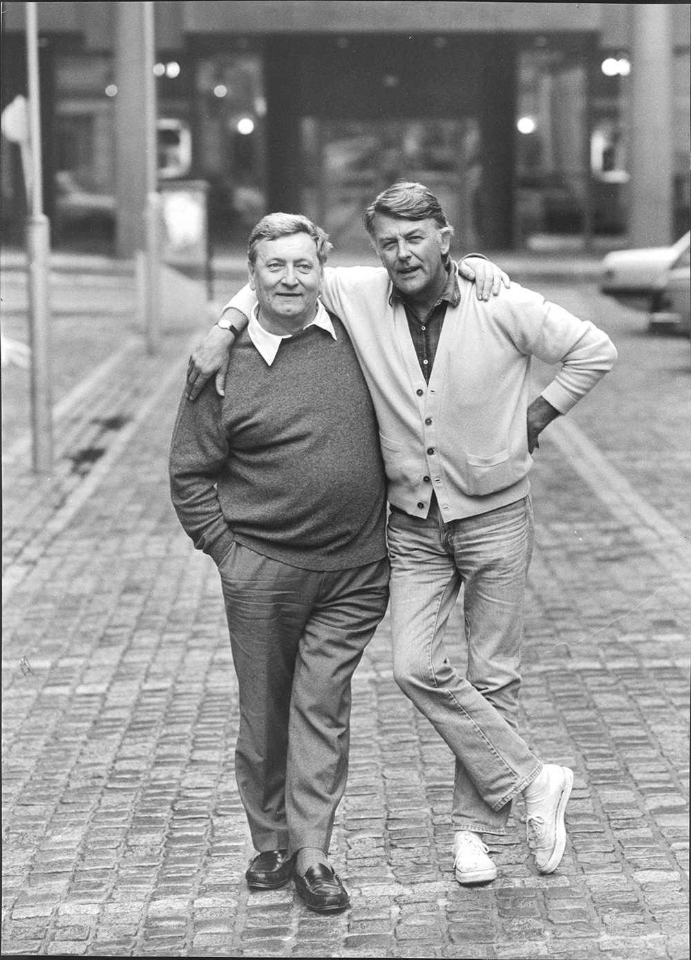 Här poserar han tillsammans med Sven-Bertil Taube i slutet av 80-talet. FOTO: PETER CLAESSON