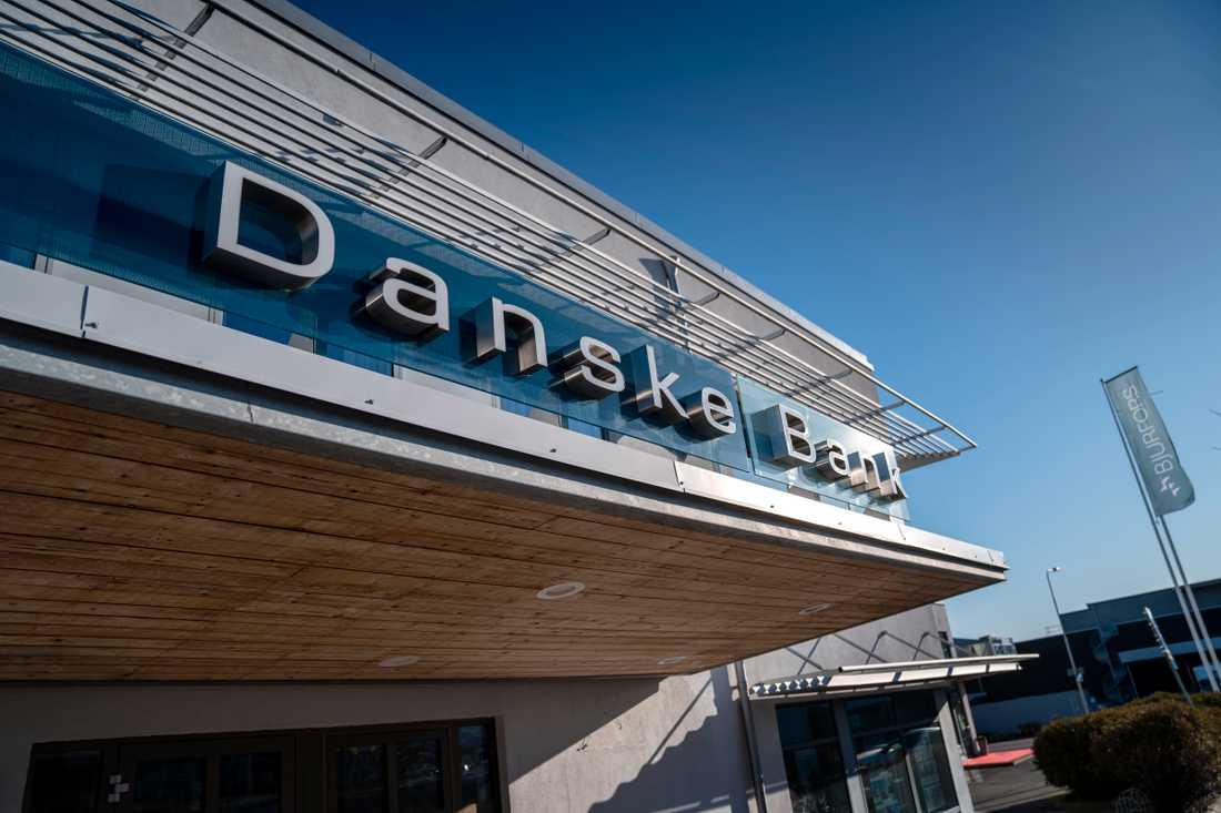 """Danske bank varnar för en ny bluffvåg som kallas """"smishing"""""""