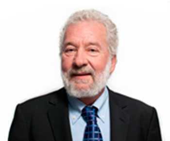 """""""Vi är här nästan sex månader om året, under sommarhalvåret. Då är det för varmt i Dubai"""", säger Carl-Gustaf Zickerman, 77."""
