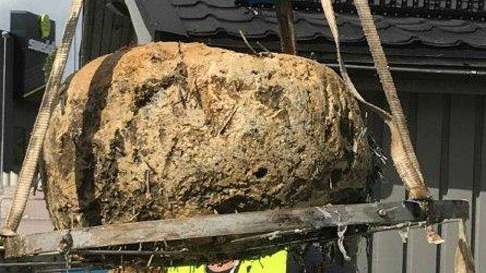 Fettklumpen hittades i röret vid en pumpstation.