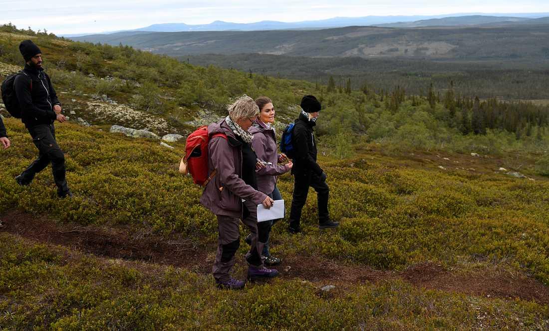 Aftonbladets reporter Kerstin Nilsson följde med kronprinsessan på den sista av hennes 25 landskapsvandringar.