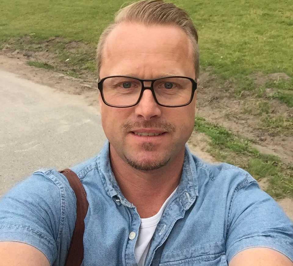 Rickard Nordström är känd som Magister Nordström på sociala medier.