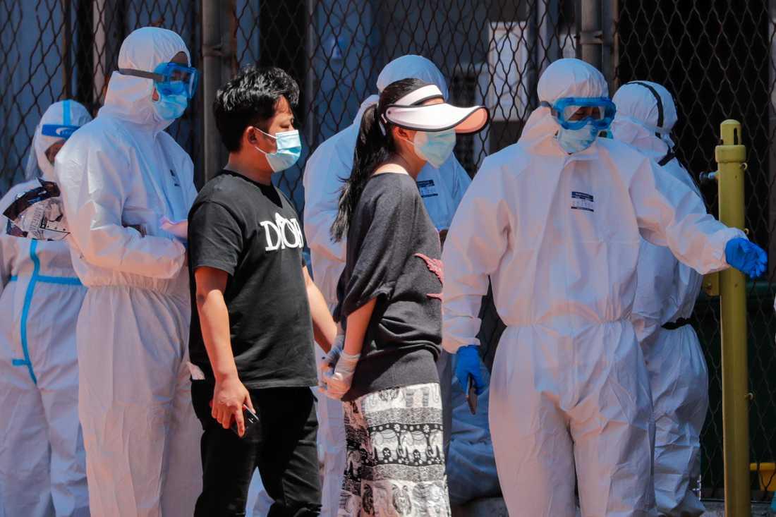 Det är ännu oklart om viruset spridit sig till Peking via människor eller mattransporter.