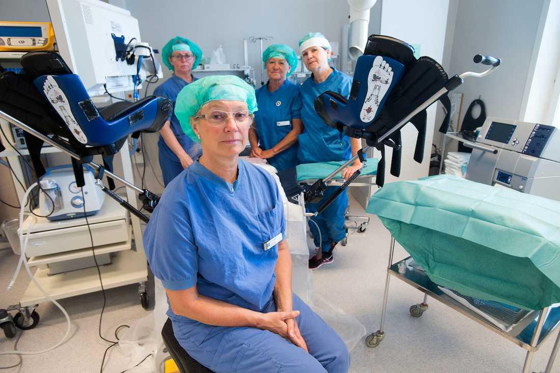 Överläkaren Eva Uustal, expert på förlossningsskador, och hennes specialistteam på Universitetssjukhuset i Linköping.