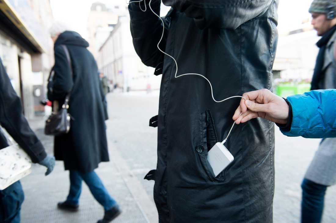 Nästan 200 mobiltelefoner stjäls i genomsnitt varje dag i Sverige. Arkivbild.