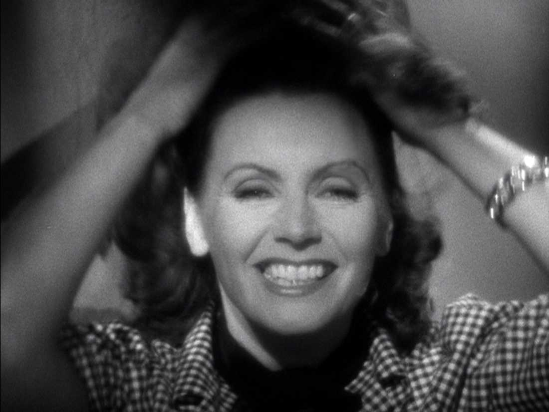 Skrattande Greta Garbo.