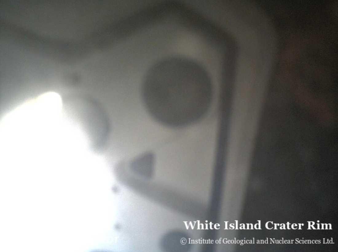 02.20: Utbrottet har inträffat. Webkameran har förstörts eller flyttats ur sin position.