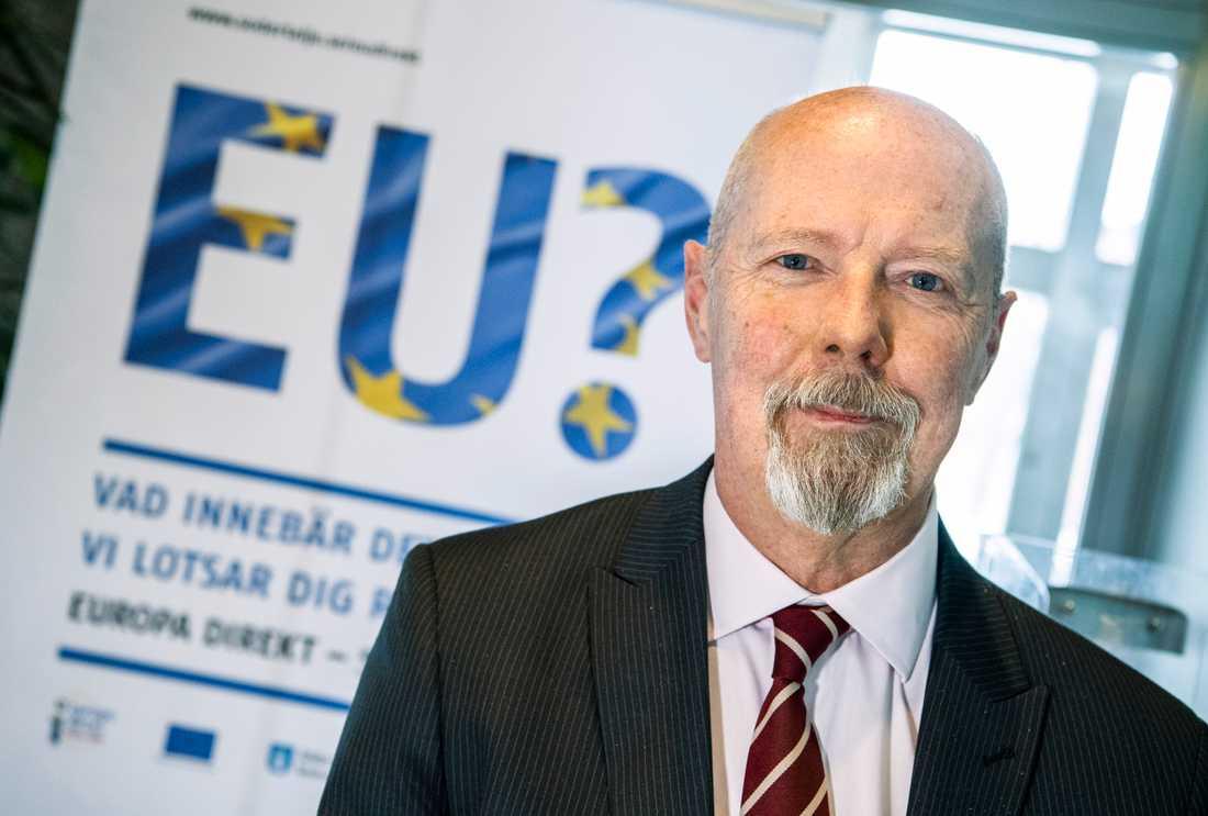 Ola Schön, kanslichef på Södertälje kommun, säger att man framför allt måste nå unga utlandsfödda för att kunna höja valdeltagandet.