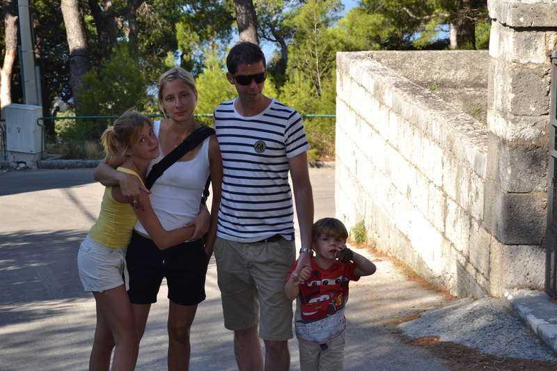 Mirva, Ronny och deras två barn blev strandade i Kroatien när Ryanair ställde in deras plan. De tvingades ta taxi och tåg till Italien för att kunna flyga hem till Sverige.