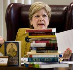 Flera styrelsemedlemmar i Texas visade öppet sin ilska när den kontroversiella läroplanen hade röstats fram.