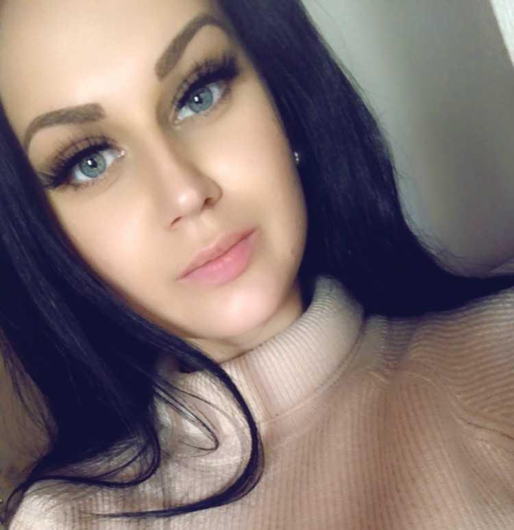 Jennie Tholander sköts ihjäl när hon var 24 år gammal. Pojkvännen dömdes för grovt vållande till annans död och fick fängelse i sex år och fyra månader.