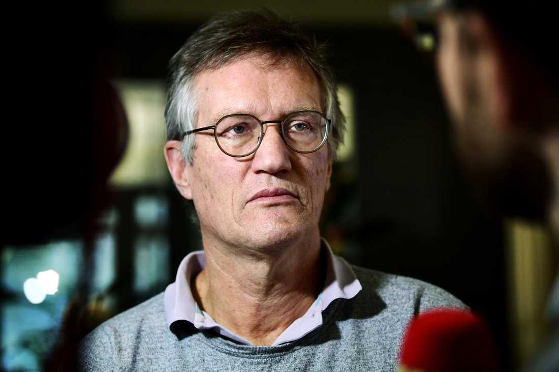"""Statsepidemiolog Anders Tegnell kallar det danska beslutet att stänga gränsen """"fullständigt meningslöst""""."""