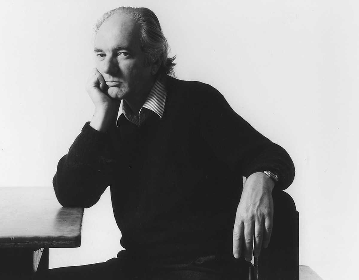 Thomas Bernhards självbiografiska böcker samlas nu i en volym. Samtidigt släpps ytterligare två böcker av Österrikes glimrande och arge nationalskald.