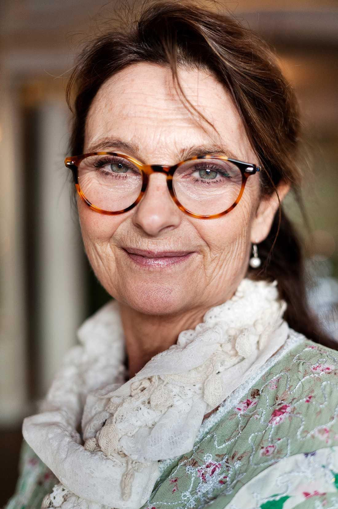 Suzanne Reuter.