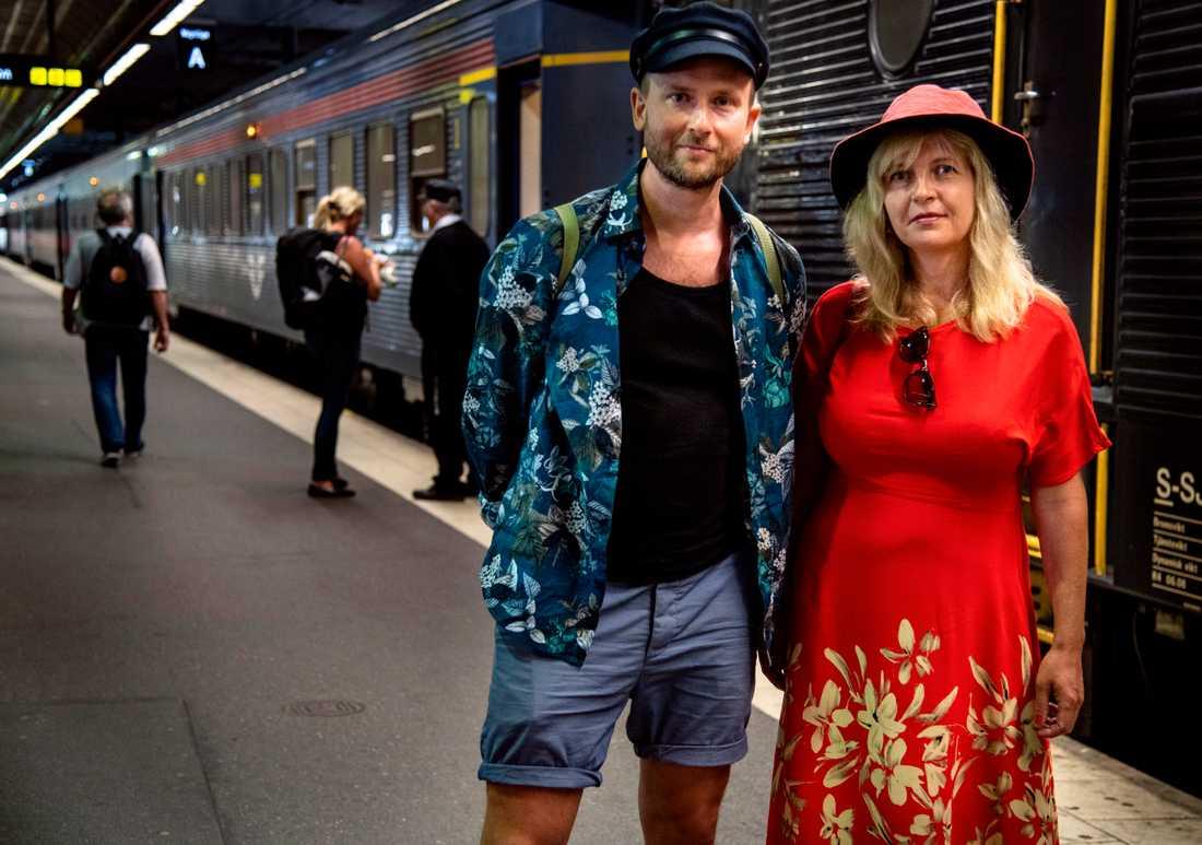 Andreas Sidkvist och Susanna Elfors vill få fler att åka tåg i sommar.