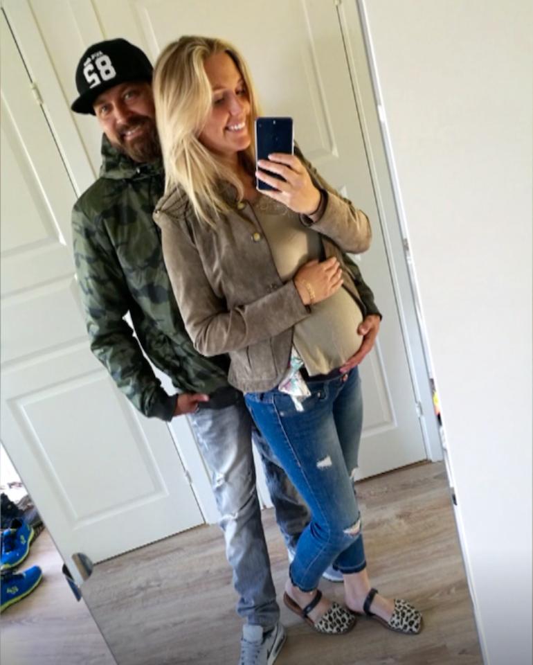 En vecka efter förlossningen får paret Sally och Erik det fruktansvärda beskedet att Erik fått cancer.