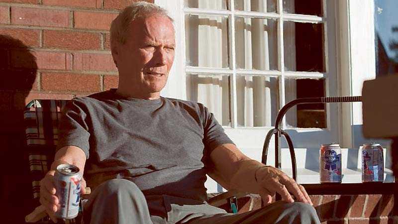 """Clint Eastwood regisserar och spelar huvudrollen i """"Gran Torino""""."""