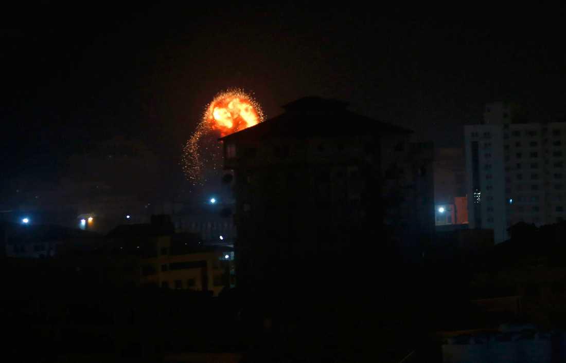 En explosion vid de israeliska anfallen mot Gaza.