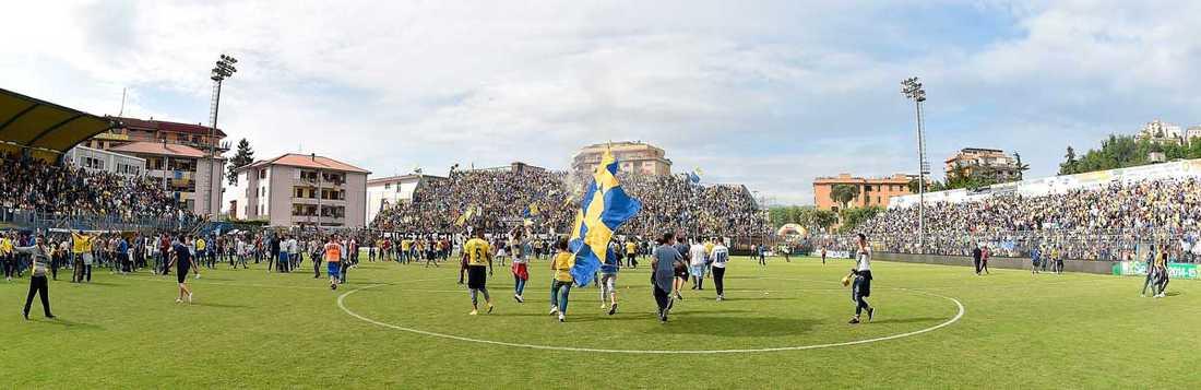 En historisk dag  16 maj tog Frosinone steget upp i serie A efter att ha besegrat Crotone med 3–1.