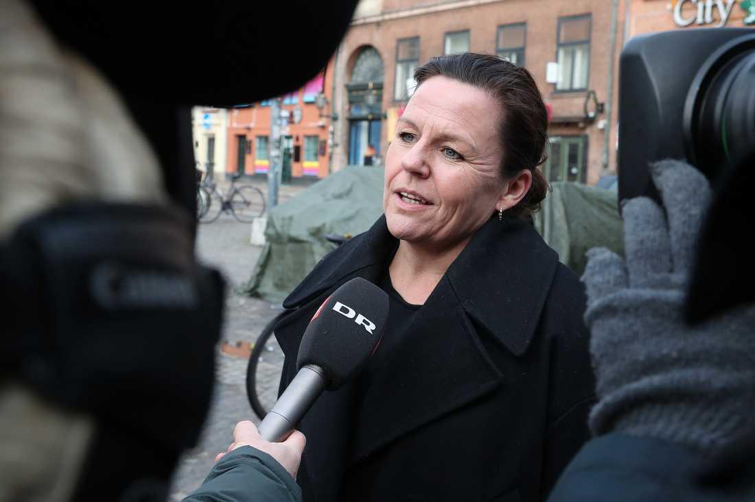 Peter Madsens advokat Betina Hald Engmark anländer till torsdagens förhandlingar.