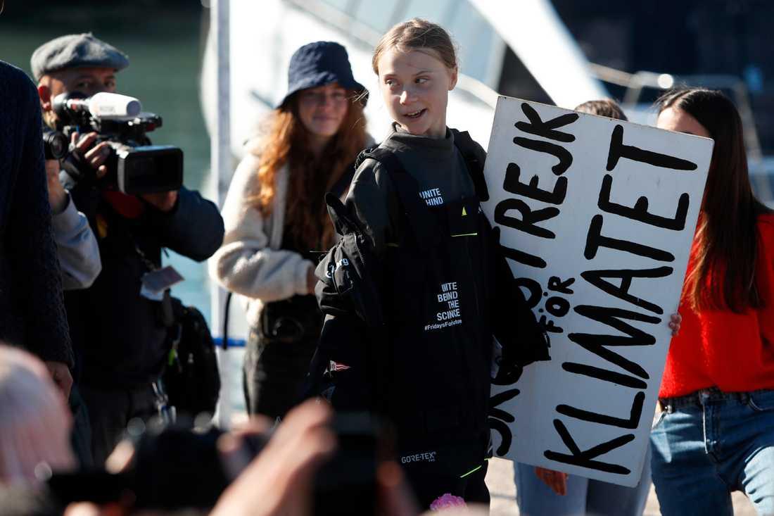 Greta anländer till Portugal efter seglatsen över Atlanten.