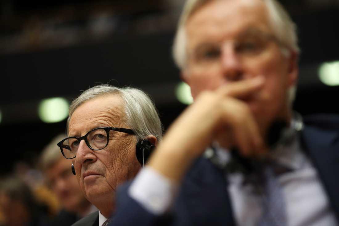 EU-kommissionens ordförande Jean-Claude Juncker och chefsförhandlare om brexit, Michel Barnier, i EU-parlamentet.