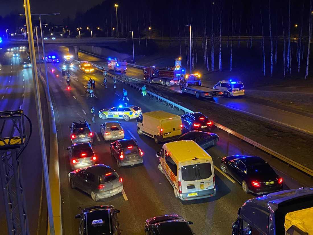 Polis på olycksplatsen.