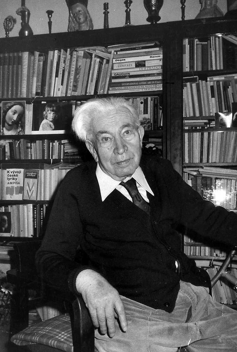 7bc2d3c2cd06 Plötsligt blir udda intressen helt ovärderliga. Poeten Jaroslav Seifert  (1901–1986) fick Nobelpriset i litteratur 1984.